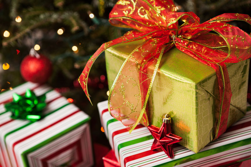 Holiday Shopping Safety Tips to Protect Your Holiday Gifts