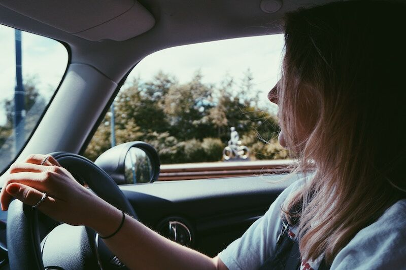 4 Safe Driving Lessons for Your Teen