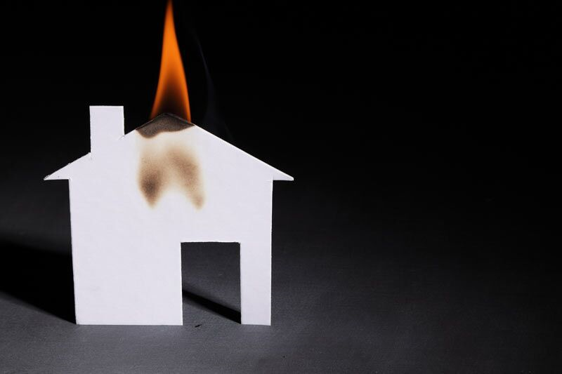 Preventing and Putting Out Grease Fires in Your Home